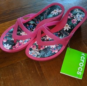 NWT Crocs Isabella wedge flip flop pink tropical 8